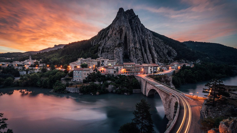 Sisteron Provence Frankreich Sonnenaufgang