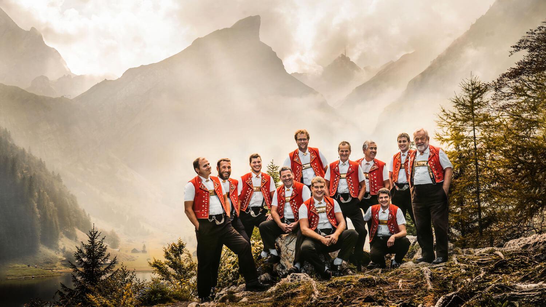 Gruppenfoto Jodelclub Appenzellerland am Seealpsee