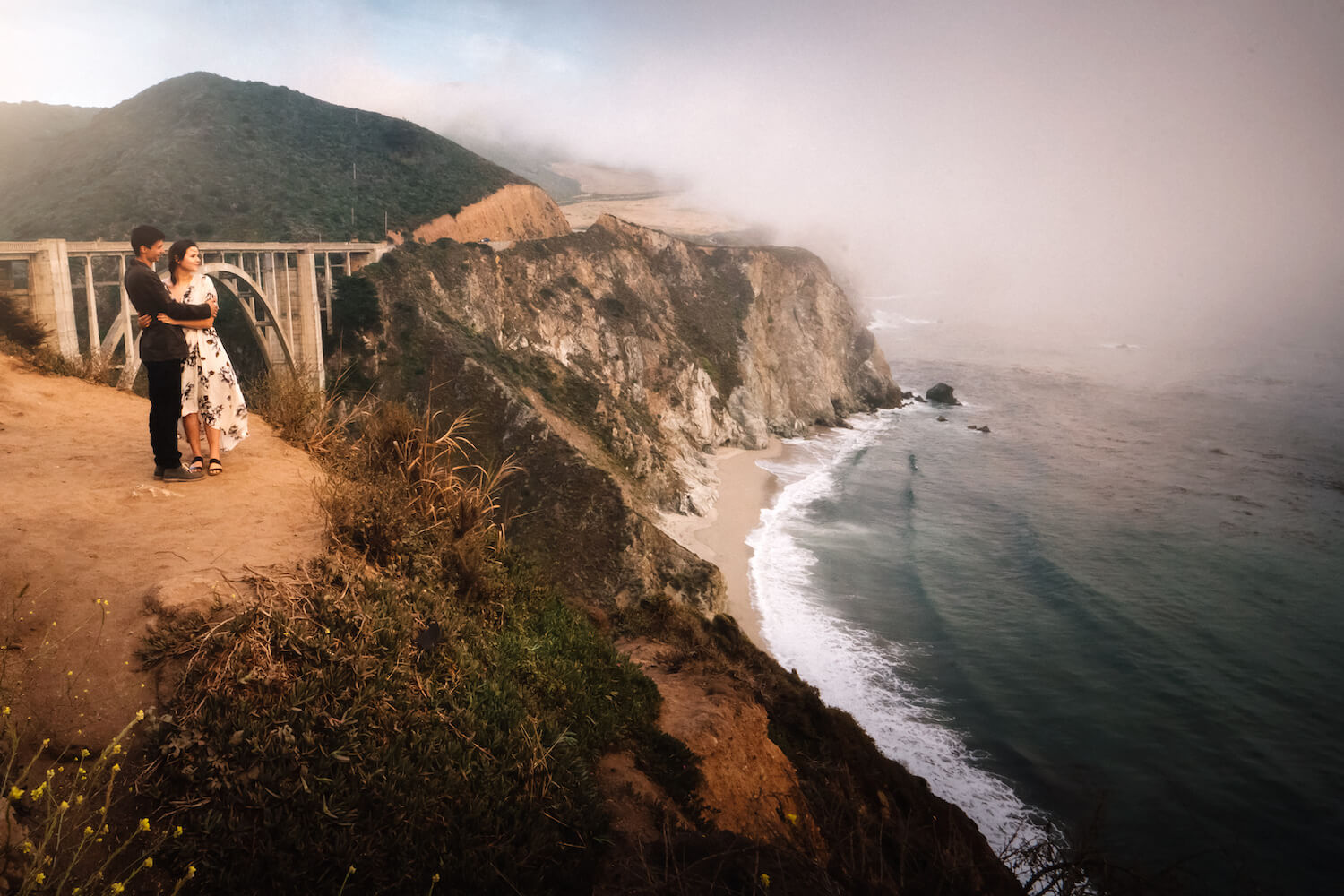 Partnershooting California Bixby Creek Bridge Paar
